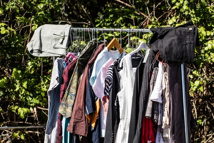 The Risks of Intuitive Thinking in Environmentally Friendly Clothing Consumption